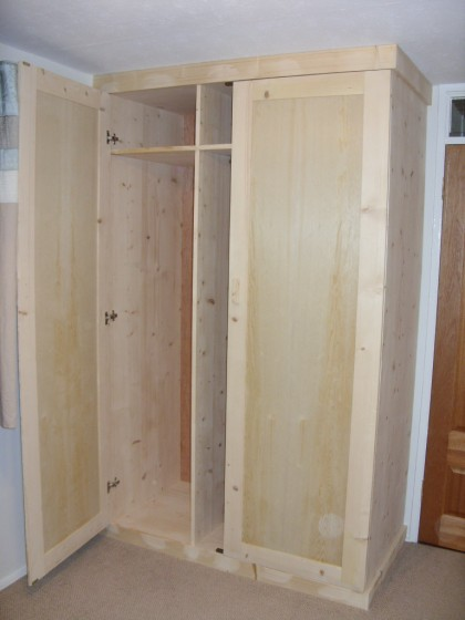 Custom Joinery – Wardrobe Livingston